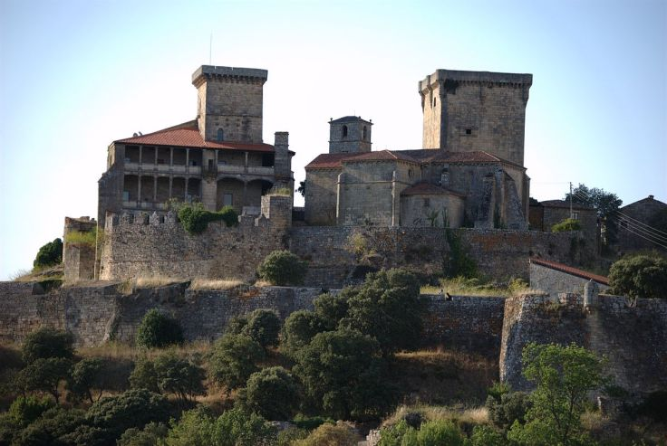 Castelo de Monterrei.jpg
