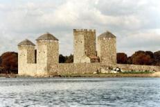 Recreación das Torres do Oeste no século XII.