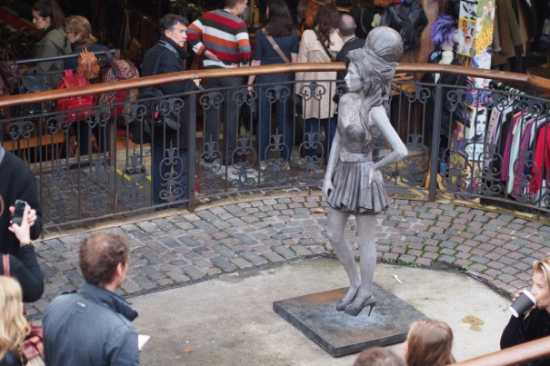 thumbnail_Amy_Winehouse_Statue_Neil_Crump_2014